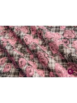 Brocart cu flori roz gofrate