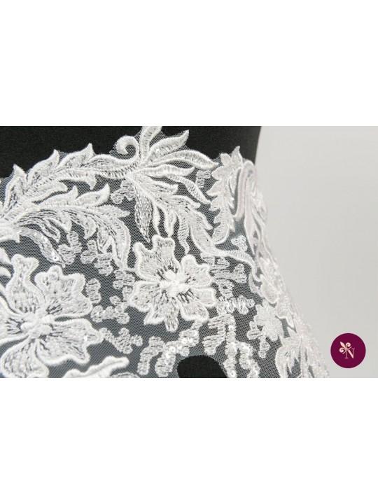 Dantelă ivoire flori cu mărgeluțe și paiete