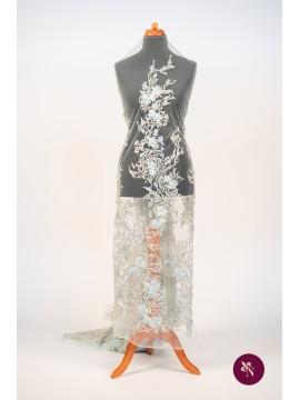 Dantelă aqua cu flori și cristale accesorizată manual