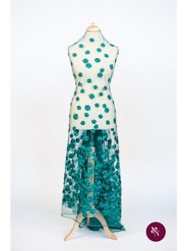 Dantelă verde smarald cu flori accesorizată manual