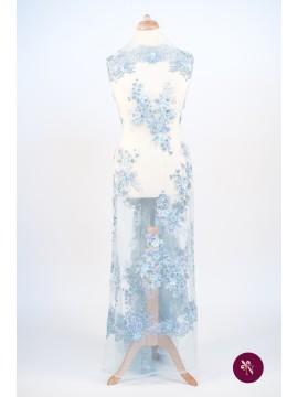 Dantelă bleu cu flori 3D și mărgele accesorizată manual